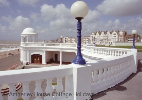 Large Image - Bexhill seafront from the De La Warr Pavilion