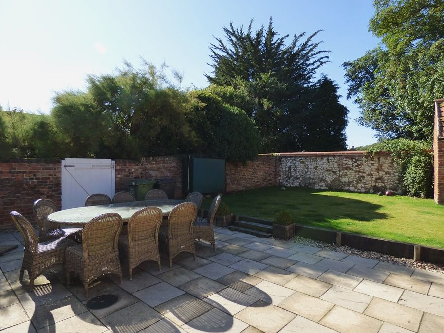 The Old Pharmacy 3 bed option | Garden