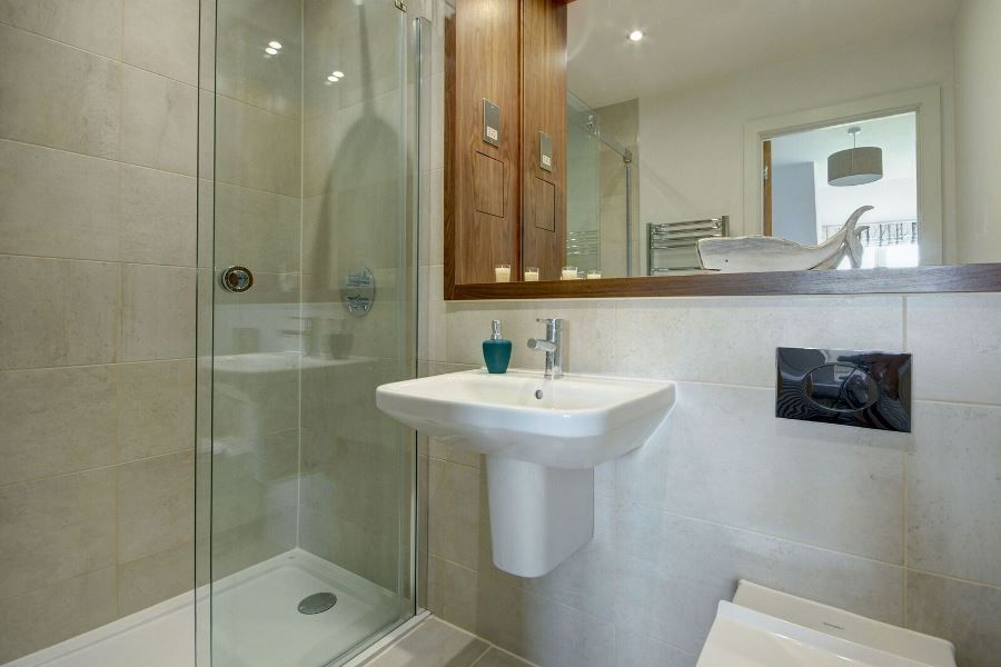 Sandells | En-suite shower