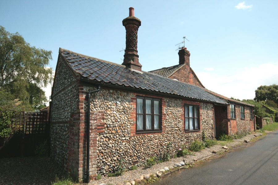 Chimney Cottage In Gunthorpe Norfolk Holiday Cottages With Kett