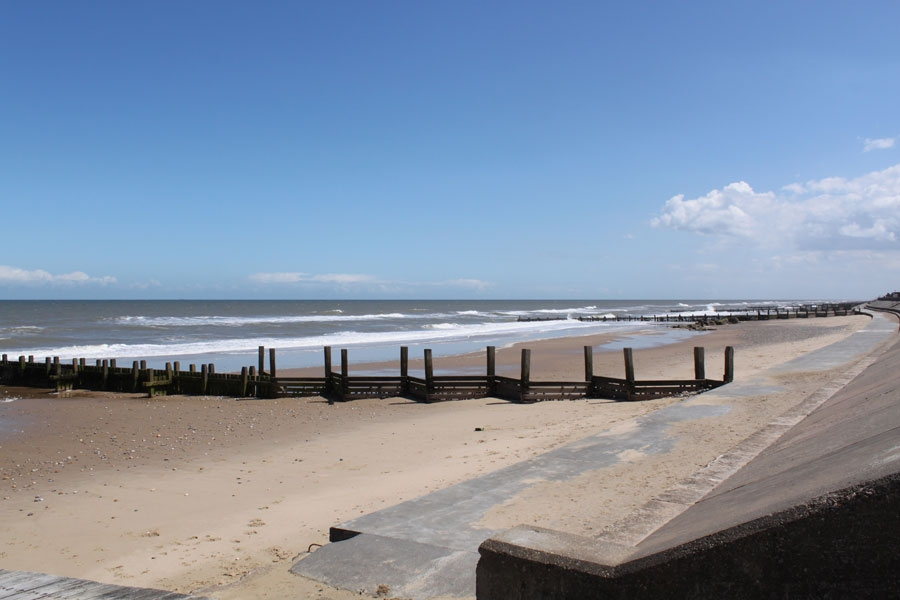Coast Bungalow In Bacton Norfolk Holiday Cottages With Kett