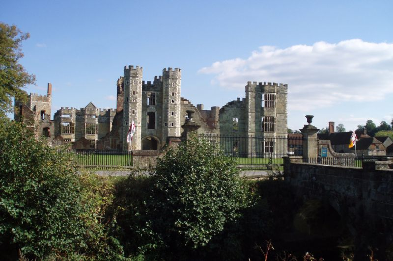 Large Image - Cowdray Ruins