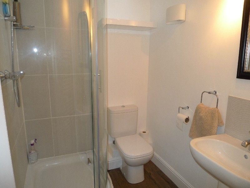Arch Cottage | En-suite shower room