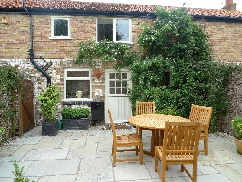 Clock Cottage | Rear courtyard