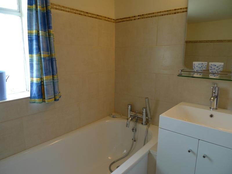 Island House   Bathroom