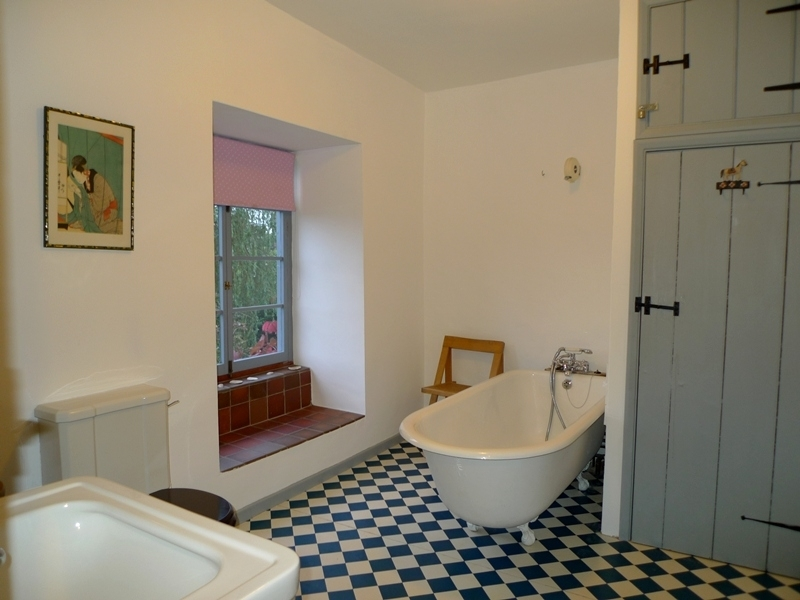Old Cottage | Bathroom