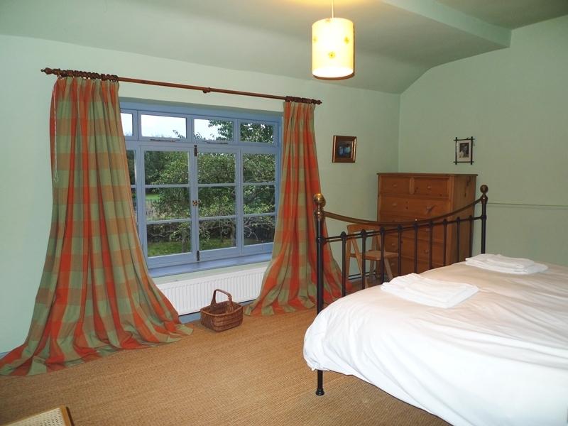 Old Cottage | Bedroom 1