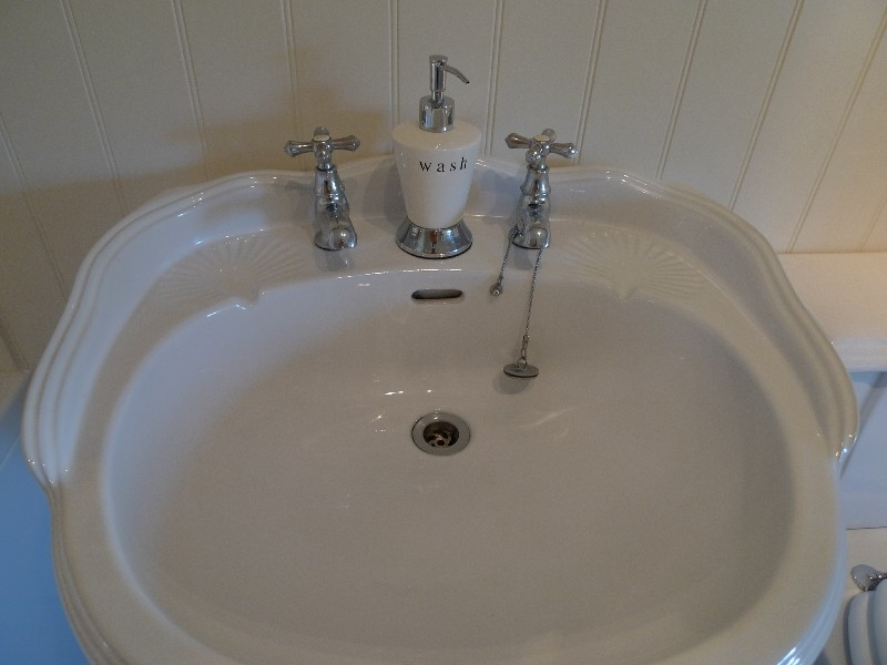 Pear Tree Cottage | Bathroom sink