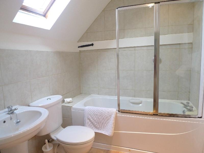 1 Ruscon Cottage | Bathroom