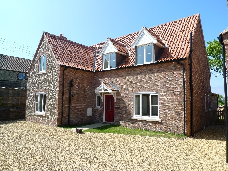 Burnham overy staithe holiday cottage lettings sowerbys for Custom cottage fish house prices