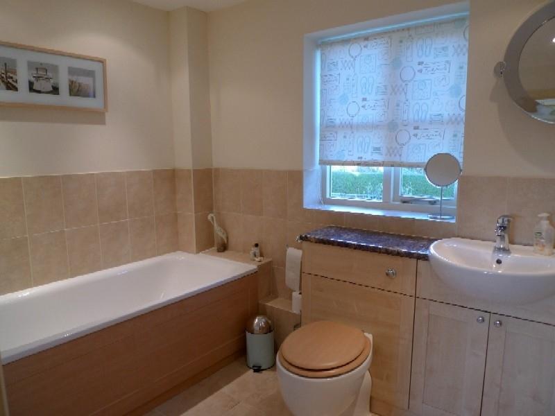 Pebble Cottage Station Road | Bathroom