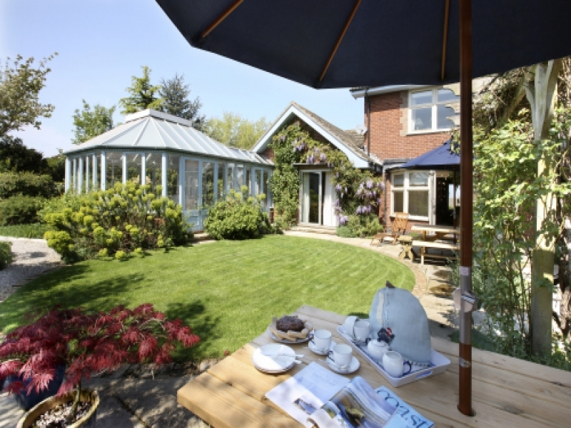 West Harbour House sleeps 8 | Garden