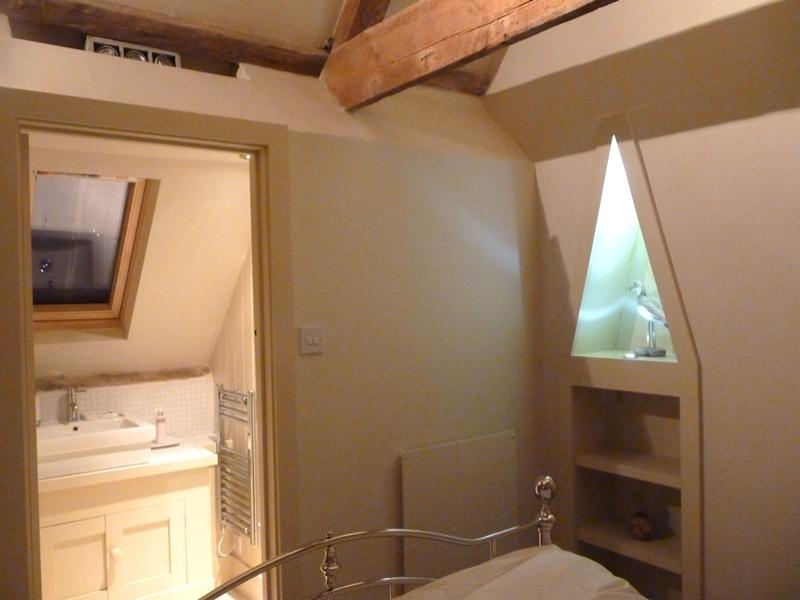 Driftwood Cottage | Bedroom en-suite