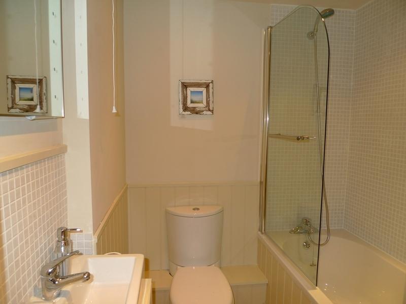 Driftwood Cottage | Bathroom