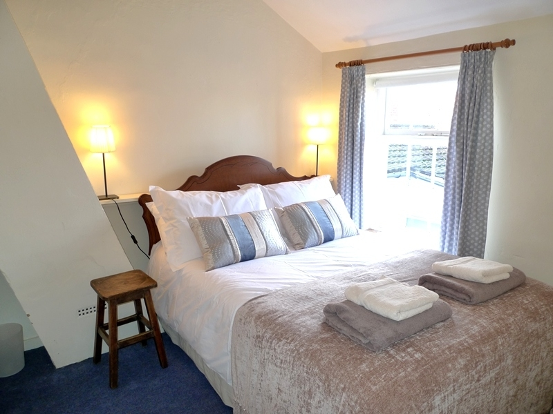 Petts Cottage | Double bedroom