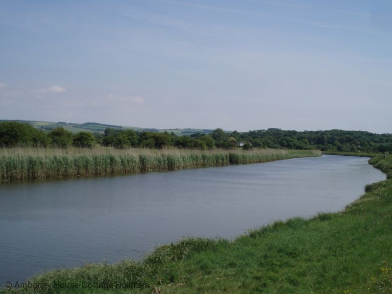 Large Image - Looking upstream on the River Arun from Arundel