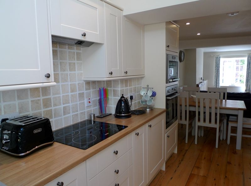 Old Sail Cottage | Kitchen