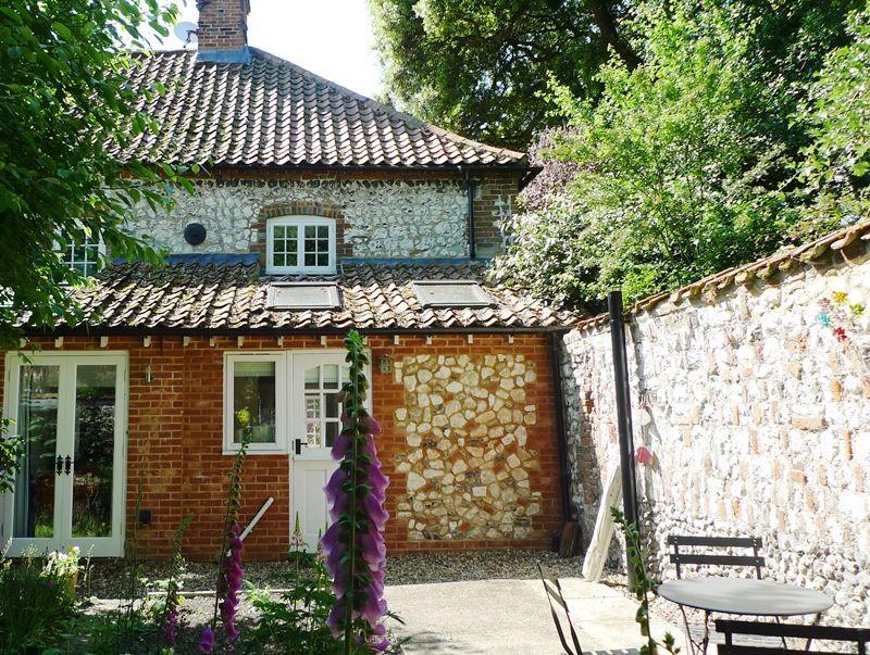 Old Sail Cottage | Back