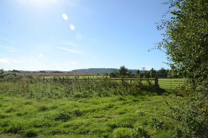 Large Image - Bridleways from the rear of the cottage