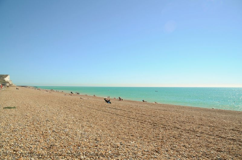 Large Image - The beach at Seaford