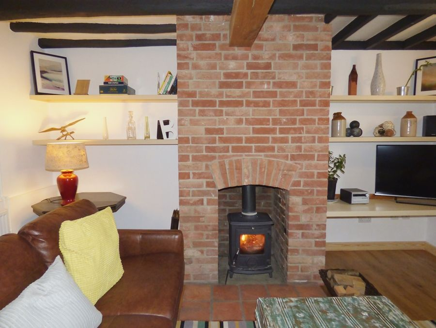 Allpoints Cottage | Wood burner