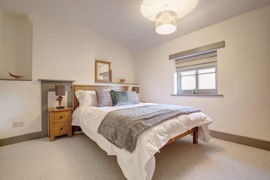 Egmere End Cottage | Bedroom 1