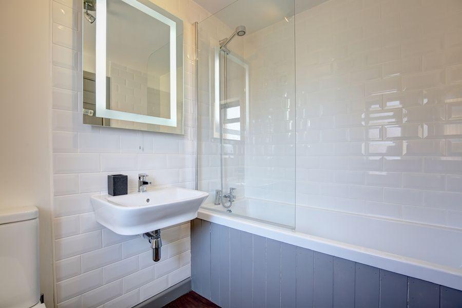 Egmere End Cottage | Bathroom