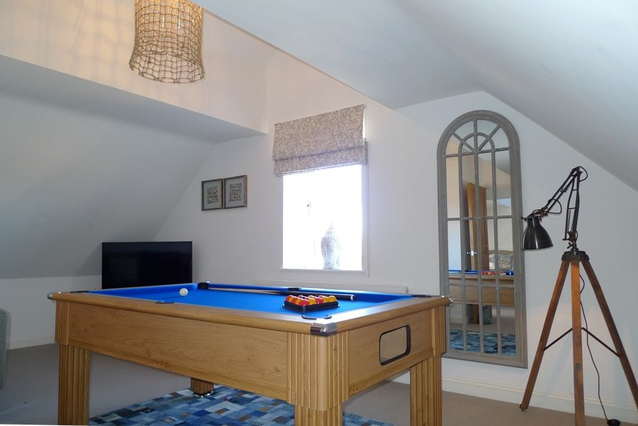 Willow Lodge 2 bedrooms | Pool table