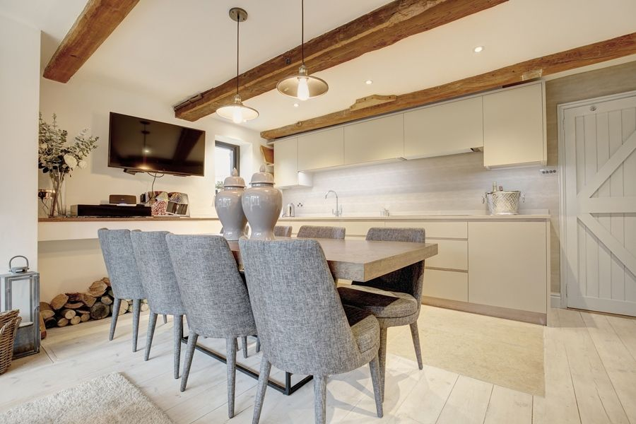Foundry Stables | Kitchen - dining area