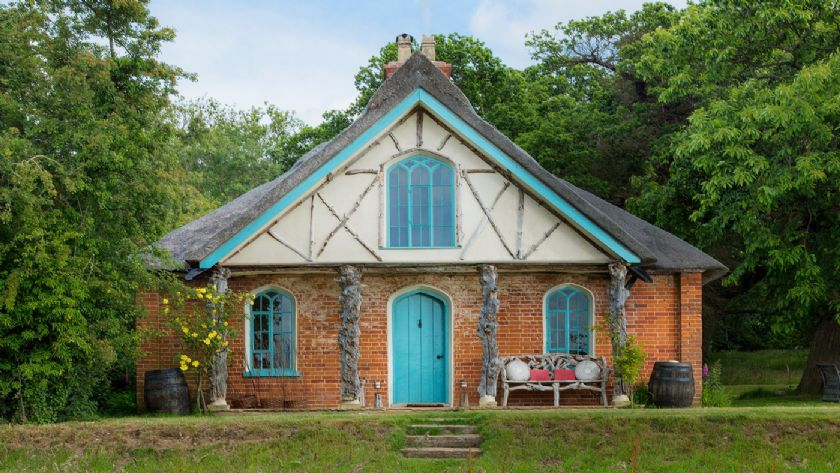 Front View: Hex cottage