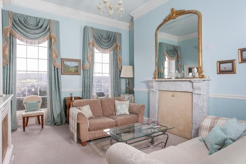 Lounge with stunning views out over Bath