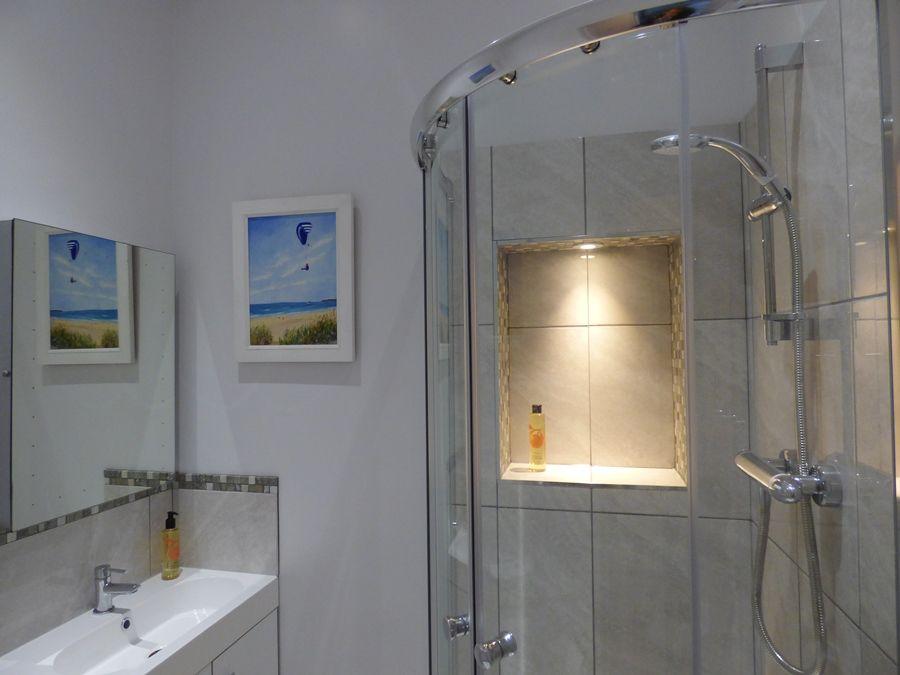 14 Norfolk Heights | Shower room