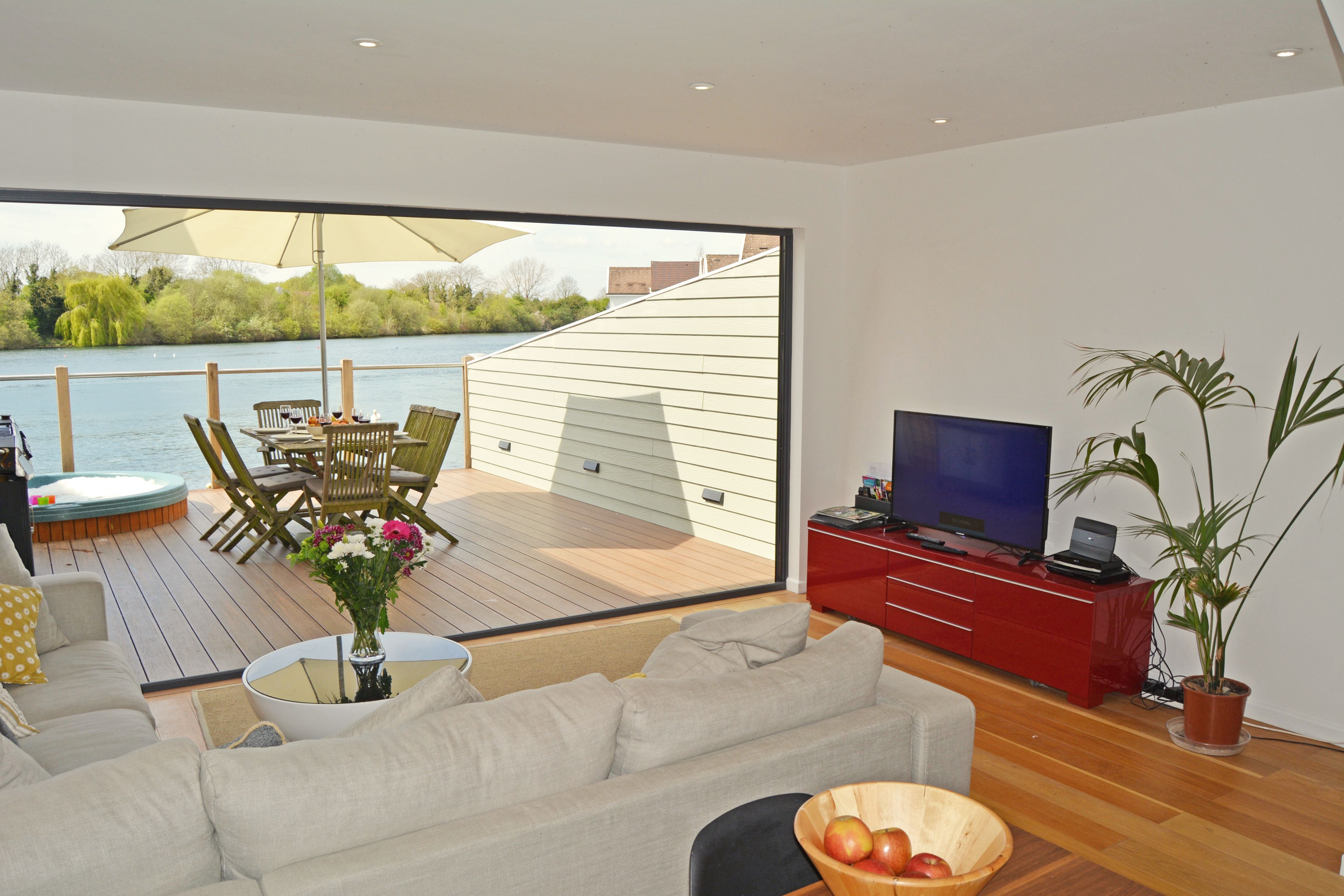 hot cottage tubs street rent cotswolds holiday the with to inglenook cottages from england in gloucestershire