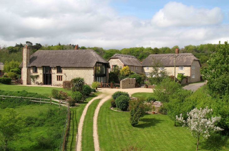 Champernhayes comprises six cottages nestled in the beautiful Dorset hills. Rural Retreats also offers Champernhayes Farmhouse sleeping eight guests