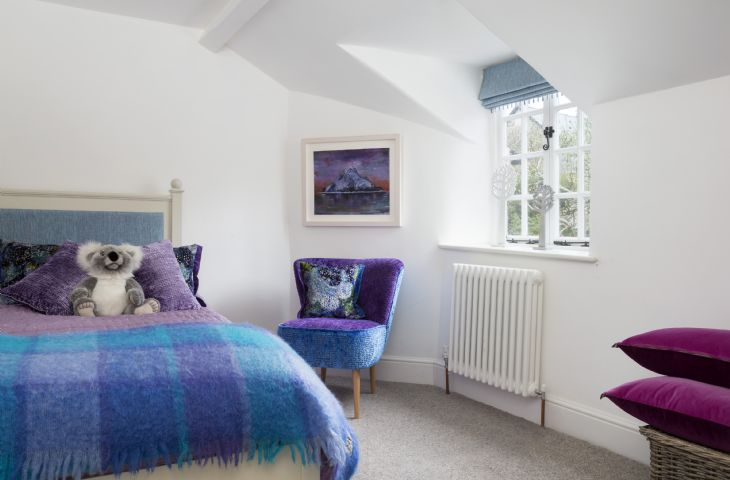 First Floor: Light and airy single bedroom