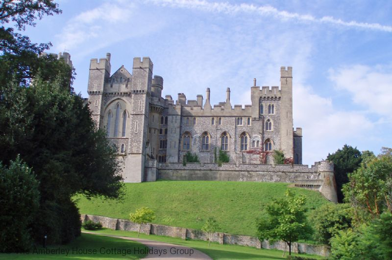 Large Image - Arundel Castle from the castle entrance