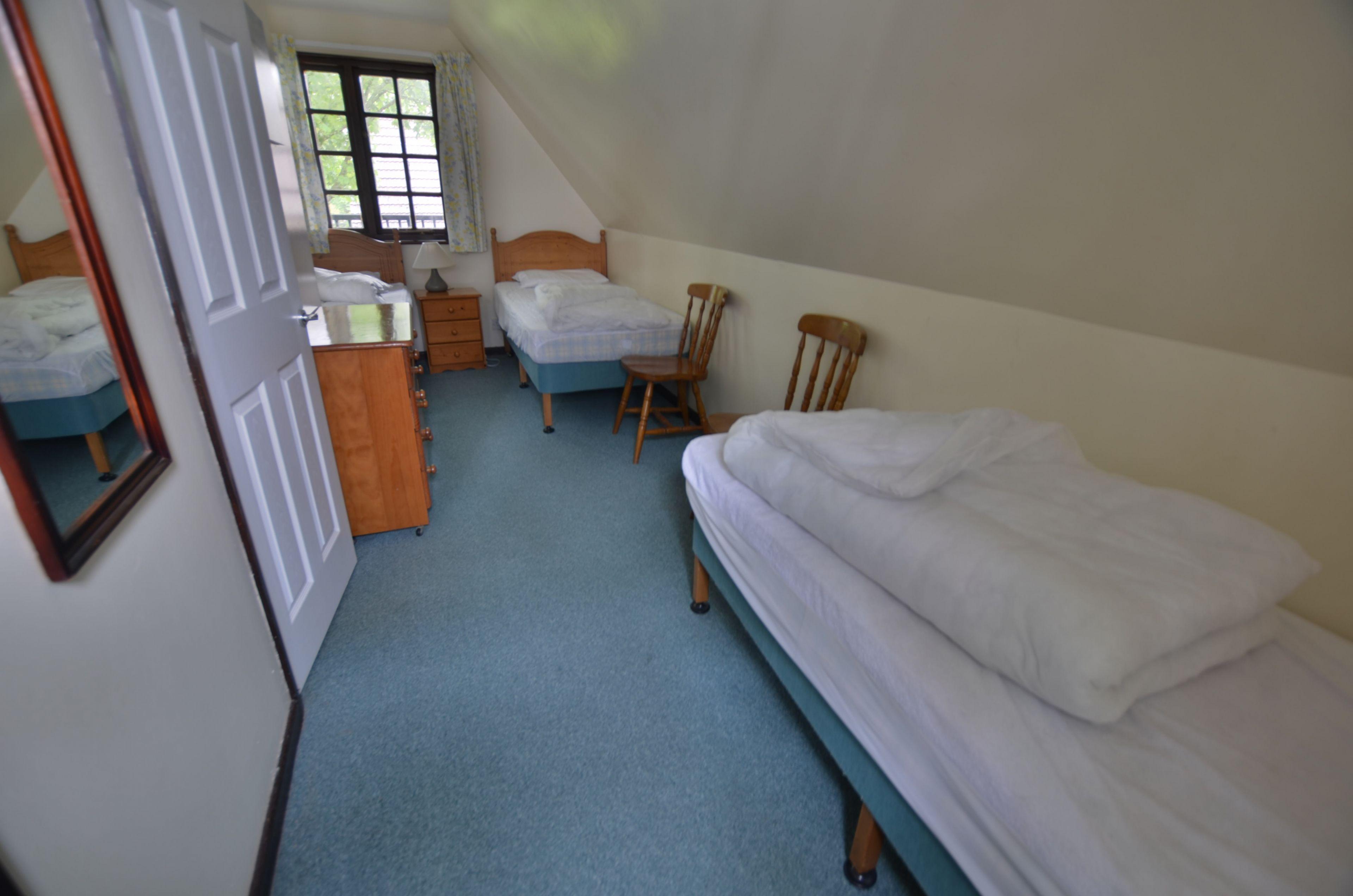 Triplet room