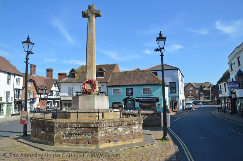 Large Image - Arundel town centre