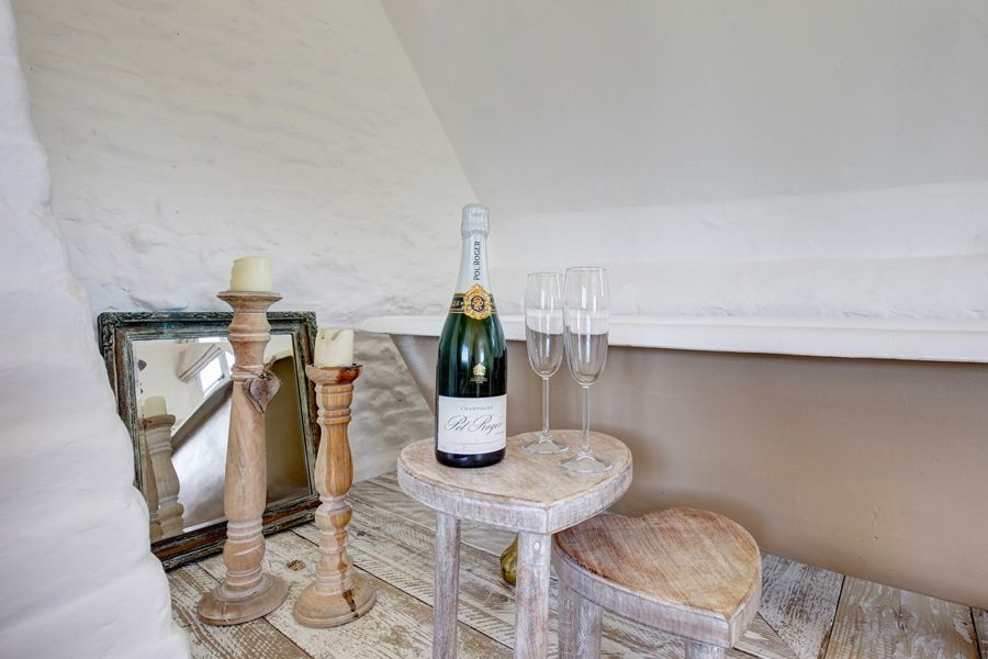 Fox Cottage | Bath with bubbles!