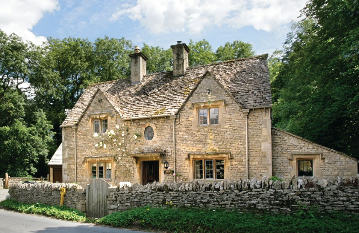 Bridge cottage gloucestershire holiday cottages and for Weekend cottage plans