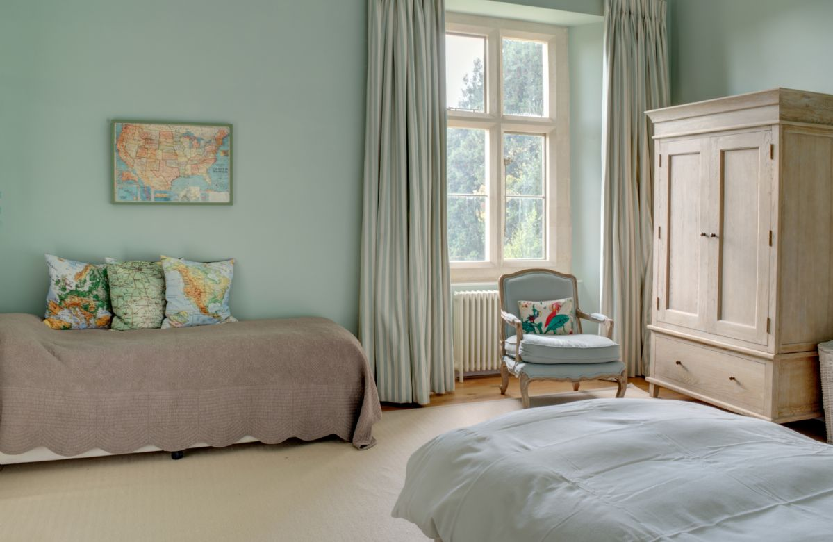 First floor: Bedroom with 4' small double bed