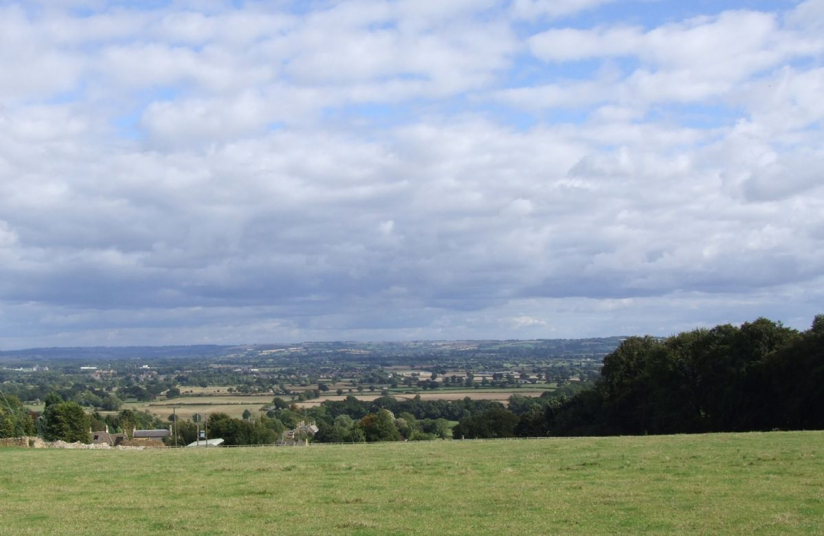 Lovely views across miles of rolling Cotswold countryside from both bedrooms