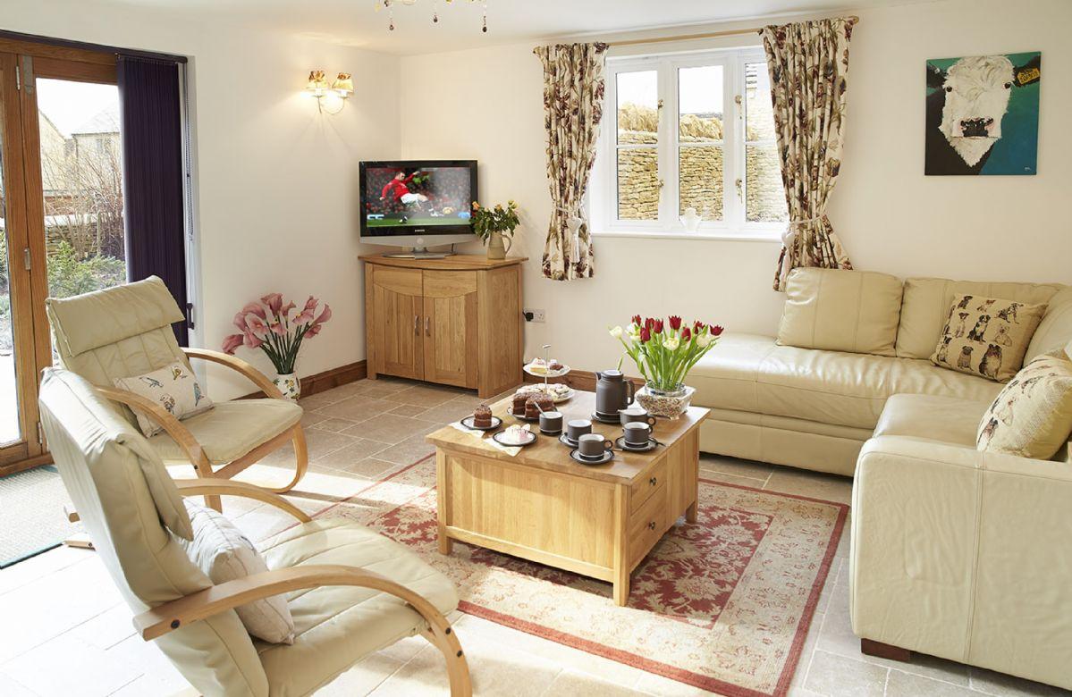 Ground floor:  Open plan sitting area