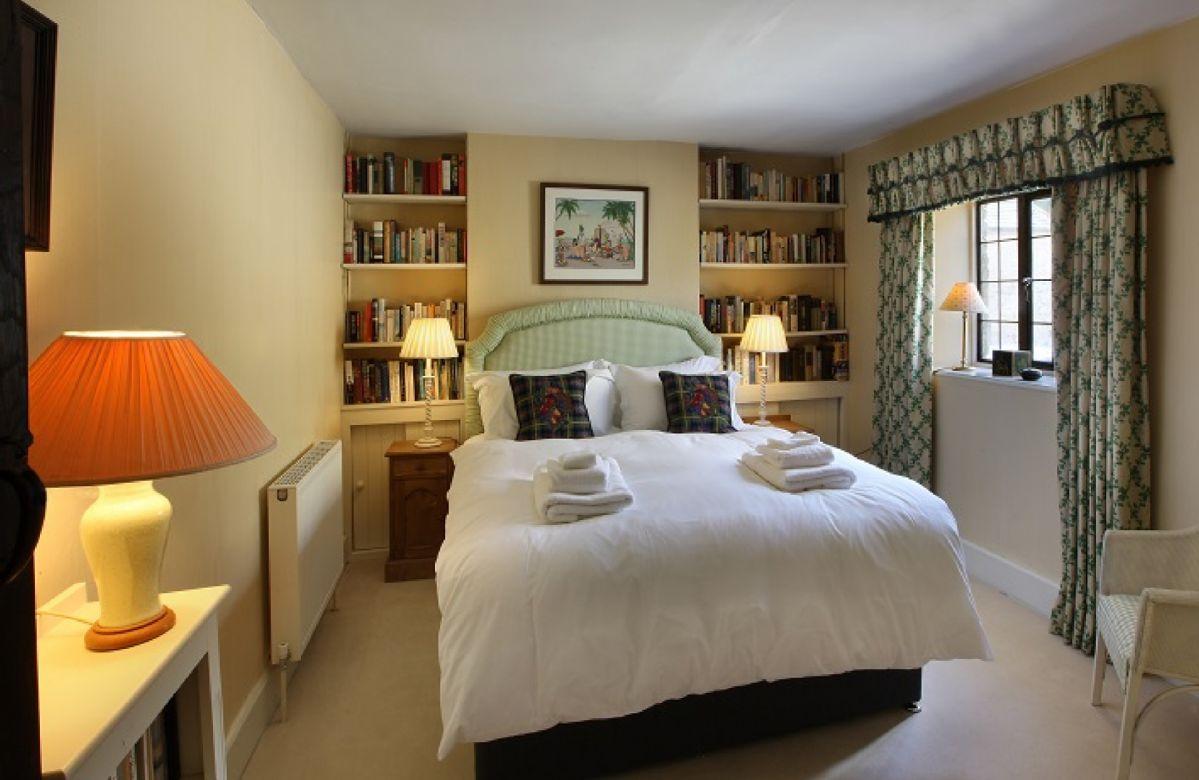 First floor: Double bedroom with 5' bed and en-suite shower room