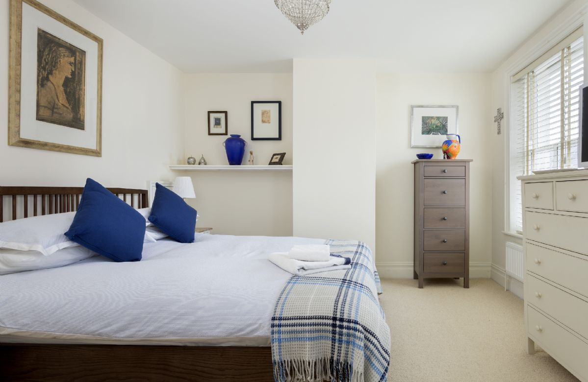 First floor: Master bedroom with 5' Kingsize double bed