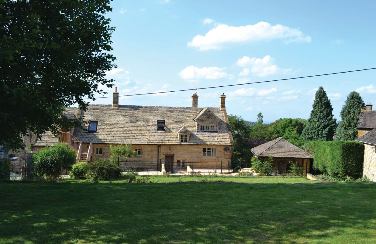 The rear of Oat Hill Farmhouse
