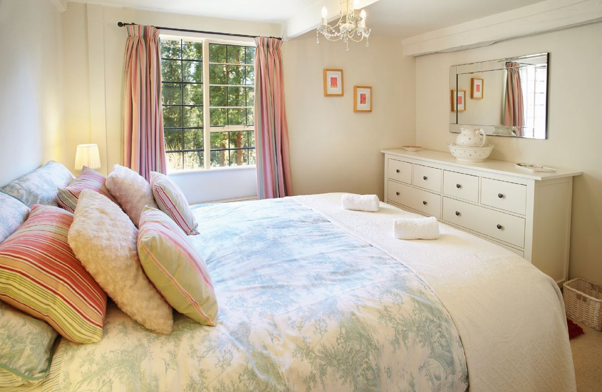 First floor: Double bedroom with 5' double upon request, can convert to two 2'6 beds