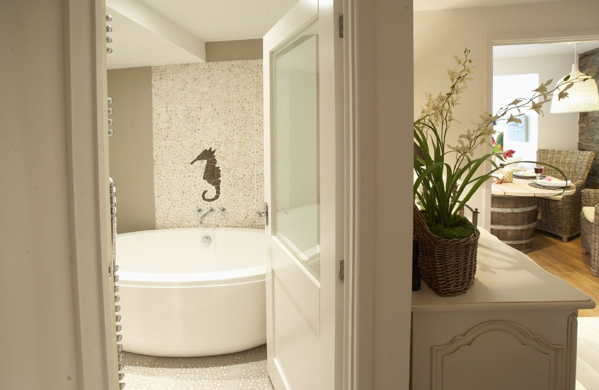 A glimpse of the lovely, freestanding bath
