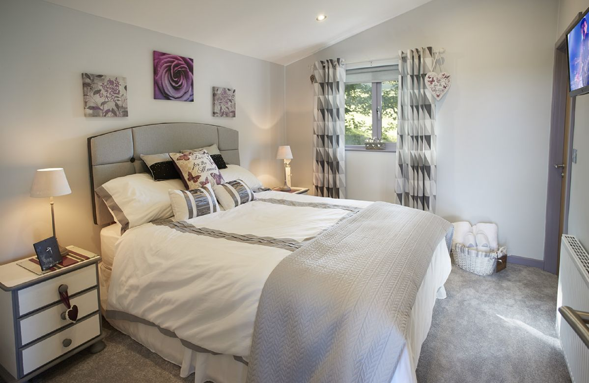 Ground floor: Bedroom with 5' double bed