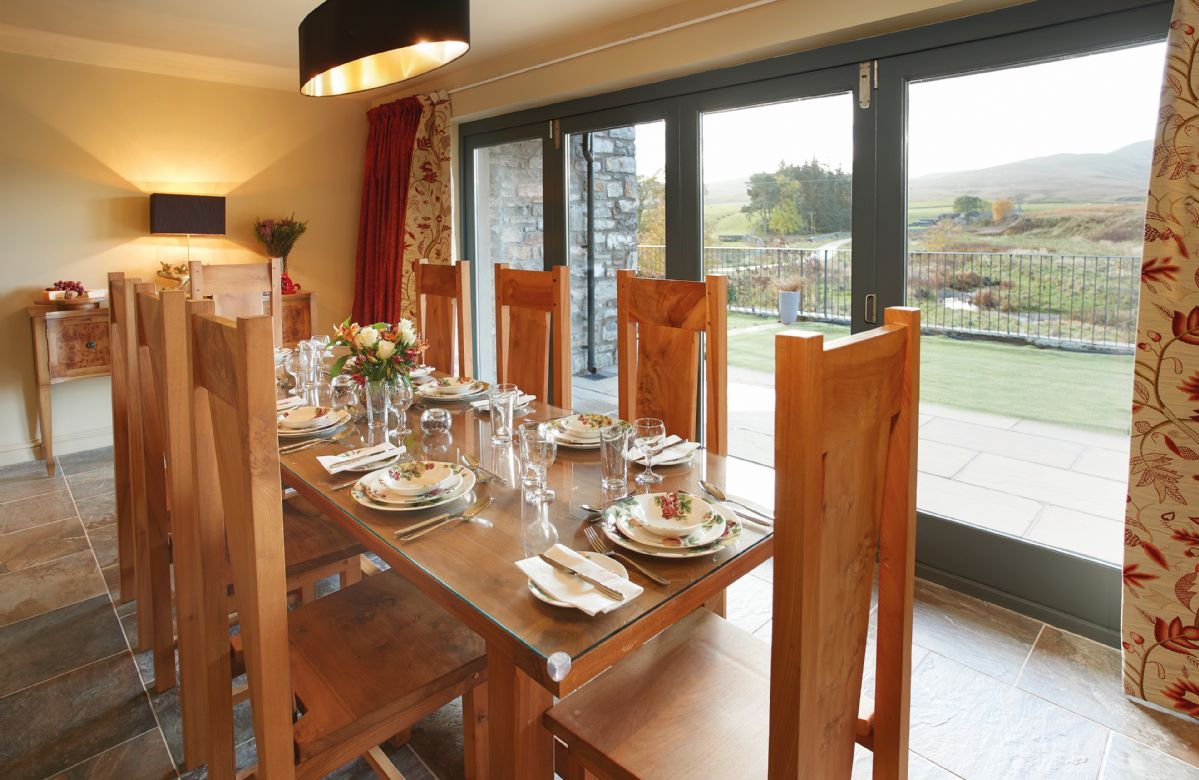 Ground floor: Dining room with views of the Howgill Fells